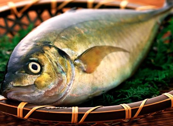Comer-pescado-protege-el-corazón